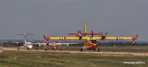 Photo: suivi de la présentation et démonstration en vol de l'ensemble du parc avions