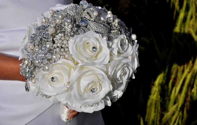 Photo: Jeweled Crown Brooch Bouquet  www.bluepetyl.com