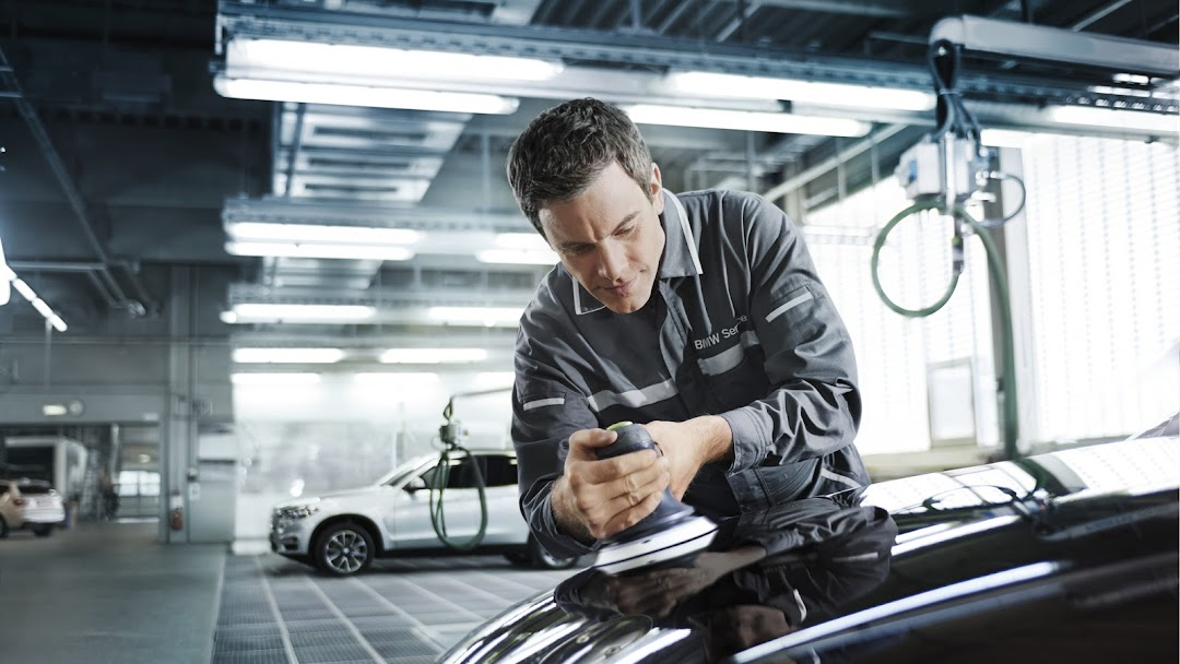Springfield Car Dealerships >> Bmw Of Springfield Collision Center Auto Body Shop In