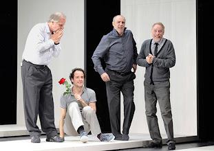Photo: Wien/ Theater in der Josefstadt: KAFKA - EIN PROJEKT VON ELMAR GOERDEN. Premiere 25.4.2015. Regie: Elmar Goerden. Toni Slama, Alexander Absenger, Peter Kremer, Andre Pohl. Foto: Barbara Zeininger