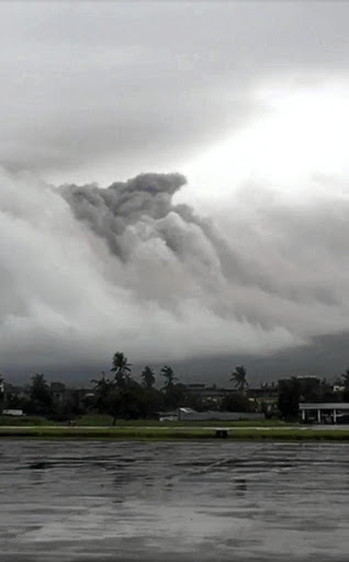 Mayon Volcano spews ash. Picture: REUTERS