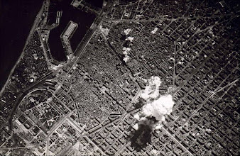 Photo: Italian aviators of the Aviazione Legionaria bombed Barcelona in 1938.