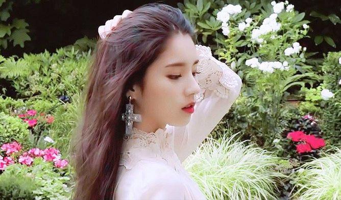 heejin profile 36