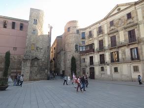 Photo: Por ahí, por el lado de la Catedral y las viejas murallas y eso.