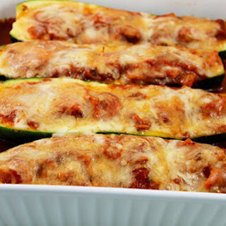 Skinny Hawaiian Pizza Stuffed Zucchini.