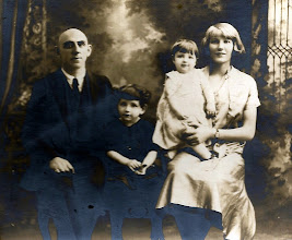 Photo: (Jacob Braunhart) Walter and Ilse Hart and Family