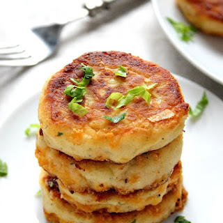 Leftover Mashed Potato Cheddar Ranch Cakes