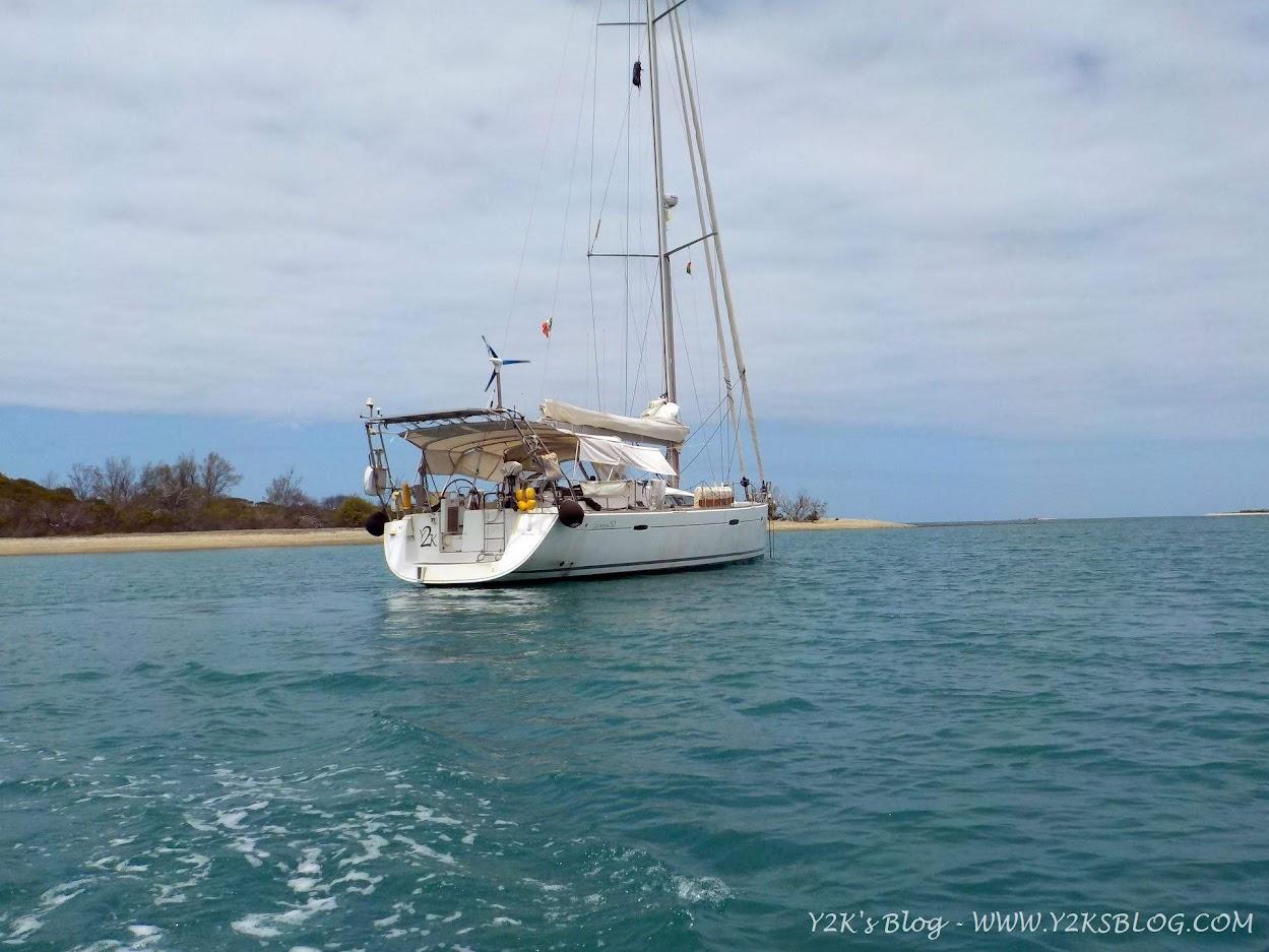 Y2K all'ancora davanti a Ile Tanle - Grande Terre