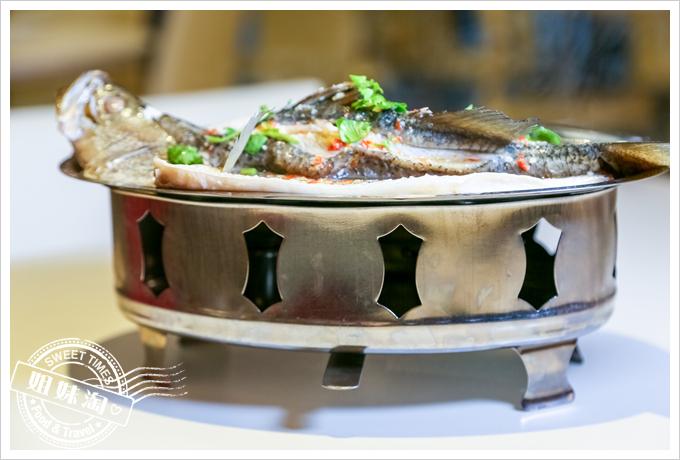 PAPAYA泰-泰式料理檸檬蒸鱸魚