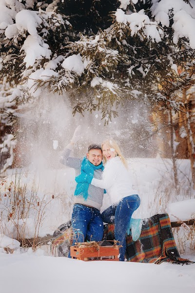Wedding photographer Lyubov Pyatovskaya (Lubania89). Photo of 09.01.2016