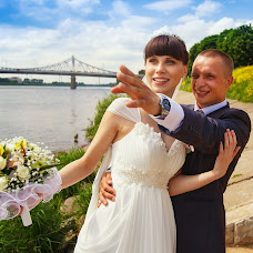 Wedding photographer Aleksey Semenyuk (LeshaS). Photo of 23.06.2013