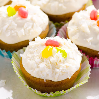 Clean Eating Vanilla Cupcakes