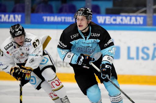 Alex Lintuniemi, 24, on tämän kauden Liiga-debytantteja. (Kuva: Tomi Natri)