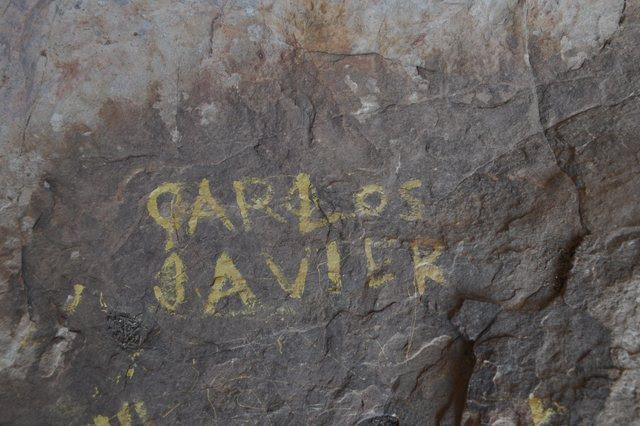 Grafiti en la Cueva del Moro