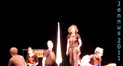 Photo: UBU ROI  mit: Anja Willutzki, Tino Kühn, Thomas Lettow, Axel Meier, Luise Sachse und Samira Hempel
