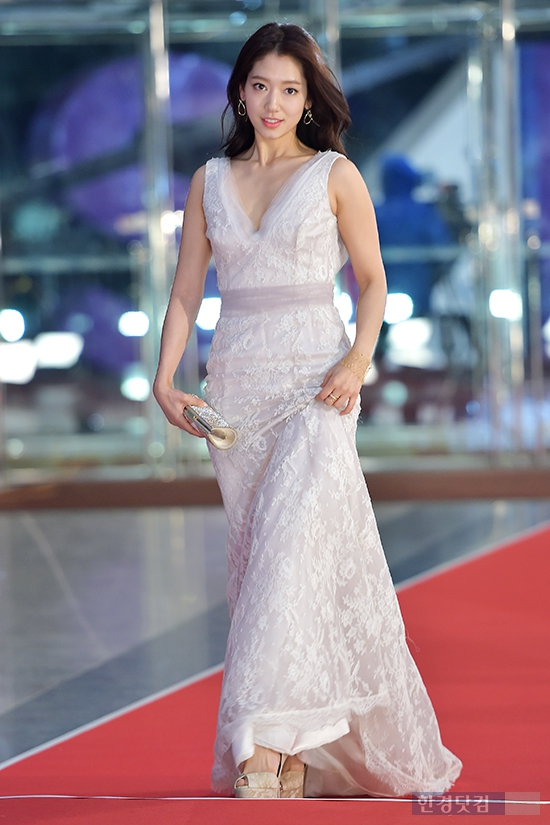 shinhye gown 14