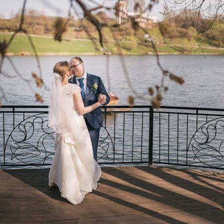 Wedding photographer Anton Buzin (Makflai). Photo of 02.05.2017