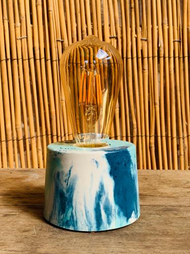 lampe cylindre béton coloré turquoise