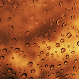 Drops by Franco Tarelli - Abstract Fire & Fireworks ( #abstract, #redsky, #fire, #phone photo, #drop )