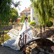Wedding photographer Oleg Yurev (banzaygelo). Photo of 01.02.2018