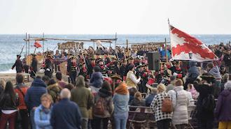 Miles de personas se acercaron ayer hasta San José para vivir un año más uno de los mayores reclamos turísticos del municipio.