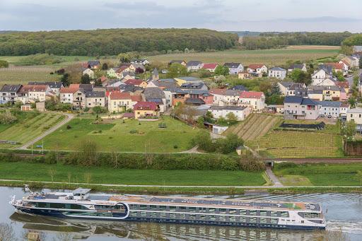 Avalon-Artistry-II-exterior.jpg - The 128-passenger Avalon Artistry II cruises the Danube, Rhine and beyond.