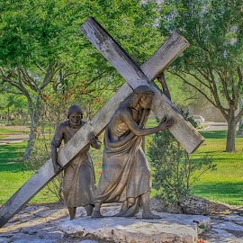 Station 5: Jesus is helped by Simon by Debbie Quick - Buildings & Architecture Statues & Monuments ( religious, debbie quick, basilica of our lady, holy week, roman catholic, san juan del valle, cross, statue, way of the cross, texas, debs creative images, lent, bronze, religion, jesus is helped by simon, life-sized, station 5 )