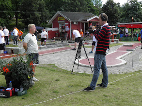 Photo: Media (UNT) interviewing Erik Gustafsson. Photo: Per Olsson