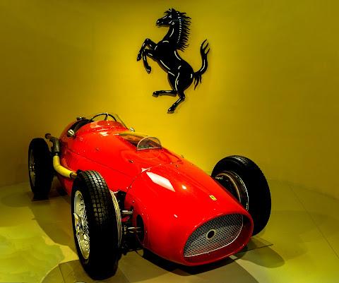 La Rossa Ferrari di Diana Cimino Cocco