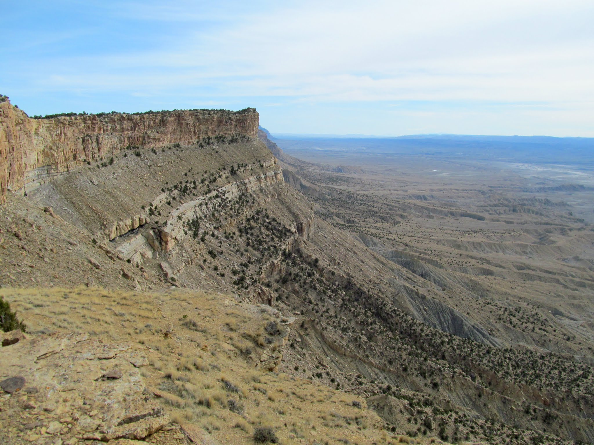 Photo: View south from the top of the Book Cliffs