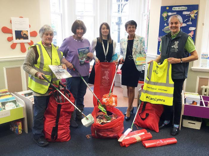 Litter picking hub up to be set up in Newtown