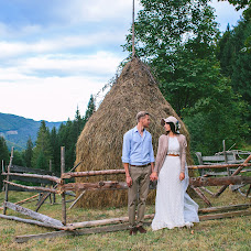 Wedding photographer Alena Kartushina (devochka). Photo of 23.09.2015