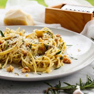 Gluten Free Spaghetti with Walnut & Rosemary Pesto
