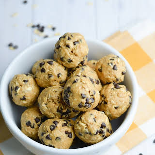 Oatmeal Chocolate Chip Protein Balls.