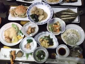 Photo: 食事だけはチームの仲間が泊まっているコクボ荘へ食べに行った。すごい豪華だ。