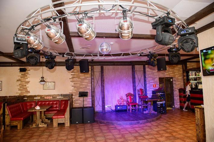 Фото №2 зала Старый город