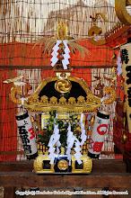 Photo: 【平成27年(2015) 宵々宮】 お仮屋に鎮座する小人神輿。今年は四方に取り付ける提燈を新調。