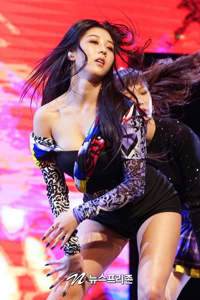 seungyeon body 10