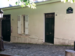 Photo: Le bateau lavoir where Picasso, Matisse, Gertrude Stein and others either lived/hung out.