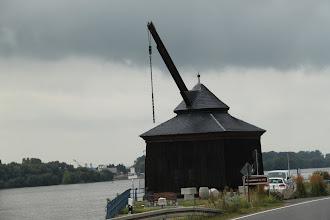 Photo: Gammel kran tæt ved Rhinen