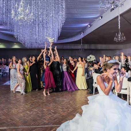 Wedding photographer Chris Kewish (kewish). Photo of 01.11.2017