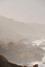 Photo: Littoral atlantique - La brume procure des effets de lumière qui rendent le paysage fantomatique.