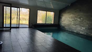 Maison 8 pièces 256 m2