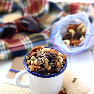 How To Build a Healthy Trail Mix.