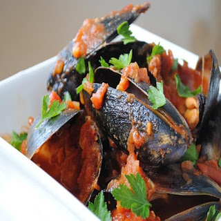 Pressure Cooker Mussels in Spicy Tomato Sauce Recipe