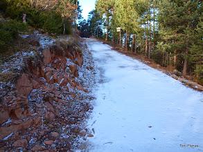 Photo: Coll de Jouet. La pista pavimentada puja fins al Santuari dels Tossals.
