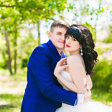 Wedding photographer Lena Bulycheva (Bela). Photo of 06.04.2016