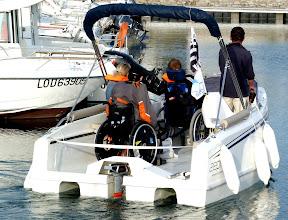 Photo: De retour au port après 2 heures sur la Ria, le SANTIG DU s'avère être aussiun espace de loisir pour personnes handicapées pour lesquelles il n'existait pas de solution alternative sur la Ria maritime