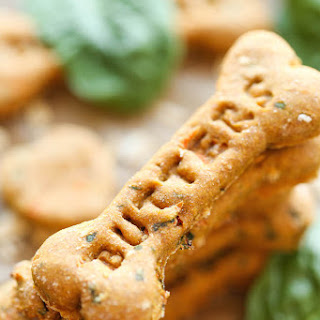 Spinach, Carrot and Zucchini Dog Treats.