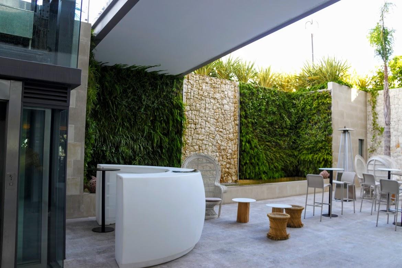 jardín vertical acuapónico